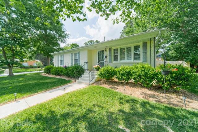 1801 Starbrook Drive, Charlotte, NC 28210 (#3738953) :: Odell Realty
