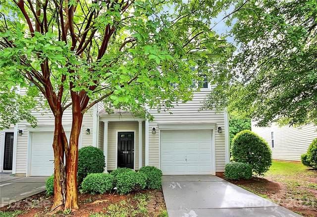4018 Glenlea Commons Drive, Charlotte, NC 28216 (#3738964) :: Cloninger Properties
