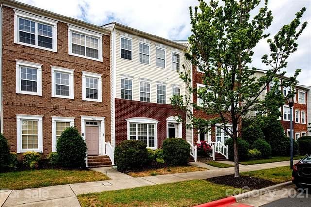 9736 Kings Parade Boulevard, Charlotte, NC 28273 (#3739063) :: Cloninger Properties