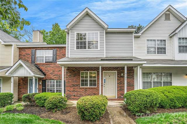 9102 Charminster Court, Charlotte, NC 28269 (#3739068) :: Home and Key Realty