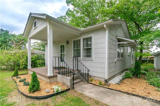 107 Allen Road, East Flat Rock, NC 28726 (#3739130) :: Keller Williams Professionals