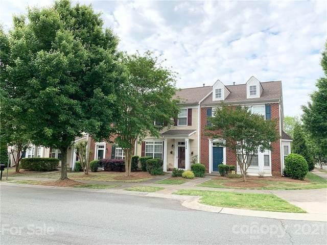 9306 Greenheather Drive, Huntersville, NC 28078 (#3739131) :: LKN Elite Realty Group | eXp Realty
