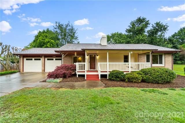 5366 Stonewood Drive, Hickory, NC 28602 (#3739204) :: Willow Oak, REALTORS®