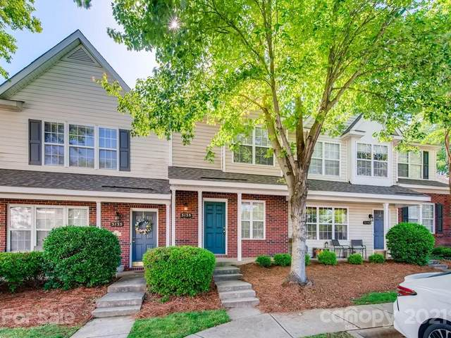 3139 Falling Rock Court, Charlotte, NC 28213 (#3739776) :: Love Real Estate NC/SC