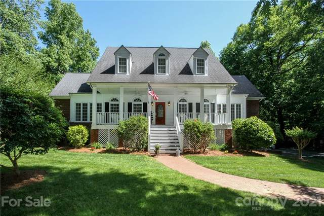 816 Spring Oaks Drive, Matthews, NC 28104 (#3739862) :: Puma & Associates Realty Inc.