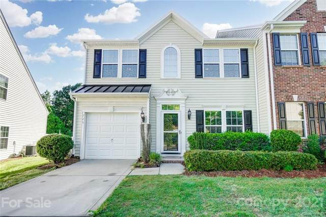 725 Prospect Lane, Fort Mill, SC 29708 (#3740022) :: Love Real Estate NC/SC