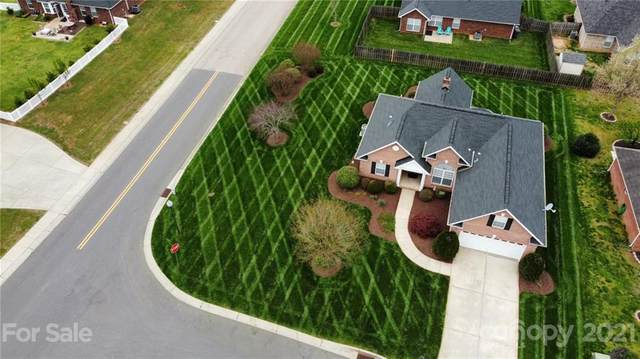 3203 Baytree Court, Concord, NC 28027 (#3740353) :: Mossy Oak Properties Land and Luxury