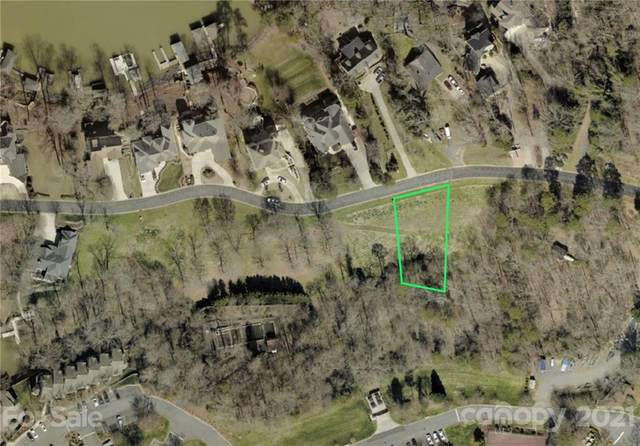 13923 Point Lookout Road, Charlotte, NC 28278 (#3740378) :: Mossy Oak Properties Land and Luxury