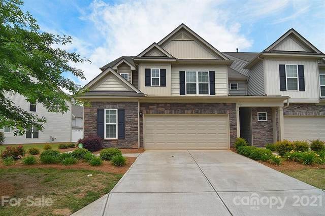 5121 Mount Clare Lane, Charlotte, NC 28210 (#3740827) :: BluAxis Realty