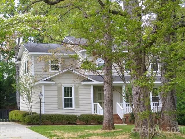 5519 Hollirose Drive, Charlotte, NC 28227 (#3740976) :: LKN Elite Realty Group | eXp Realty