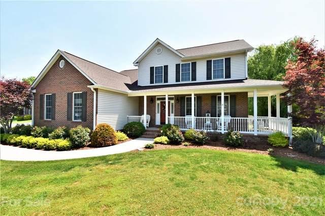 62 Classic Oaks Circle, Hendersonville, NC 28792 (#3743705) :: Rhonda Wood Realty Group
