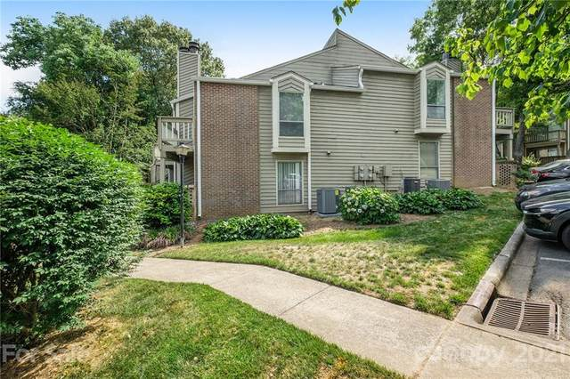 1608 W Sharon Road #43, Charlotte, NC 28210 (#3744306) :: Cloninger Properties