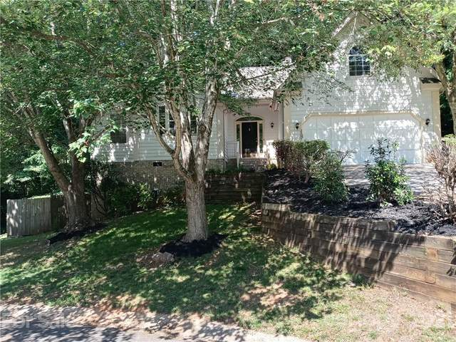 2907 Walsingham Court, Matthews, NC 28105 (#3744491) :: Home and Key Realty