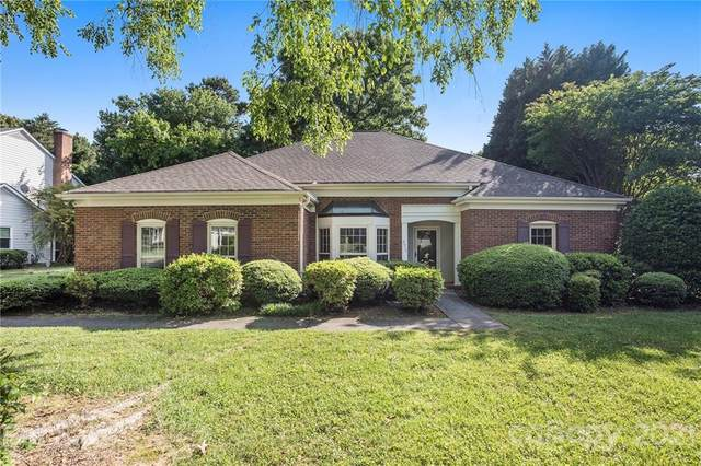 4015 Thistledown Court, Charlotte, NC 28269 (#3744635) :: BluAxis Realty