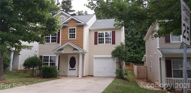 5104 Magnasco Lane, Charlotte, NC 28208 (#3746307) :: Home and Key Realty