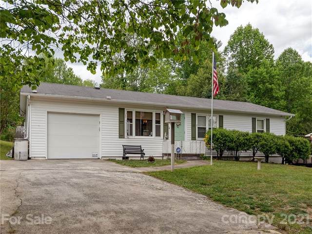 2049 Willow Road, Hendersonville, NC 28739 (#3746675) :: The Mitchell Team