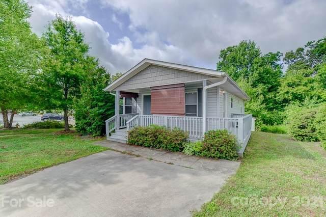 484 King Creek Boulevard, Hendersonville, NC 28792 (#3747713) :: Lake Wylie Realty
