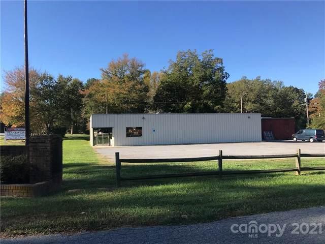 15901 Cramur Drive, Huntersville, NC 28078 (#3748326) :: BluAxis Realty