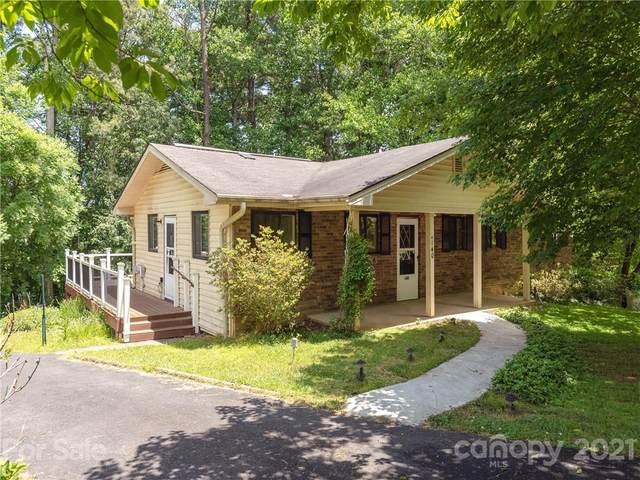 140 Pinehurst Drive, Hendersonville, NC 28792 (#3748488) :: Modern Mountain Real Estate