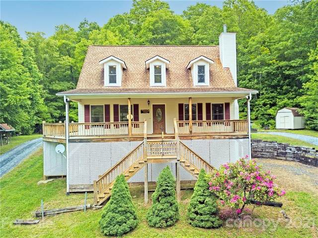 340 Back Country Road, Tuckasegee, NC 28783 (#3748655) :: The Mitchell Team