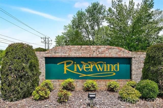 504 Riverwind Drive, Hendersonville, NC 28739 (#3748864) :: Besecker Homes Team