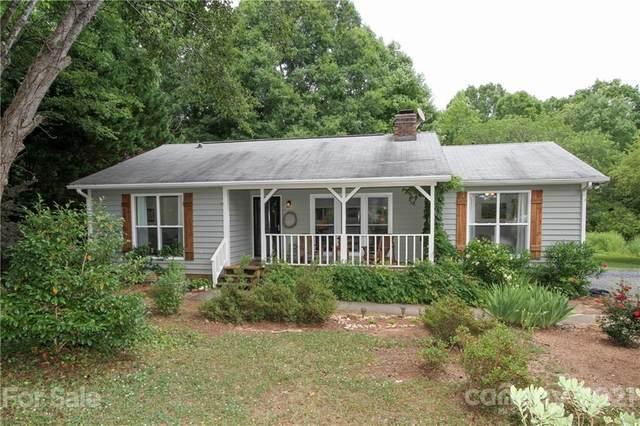 5517 Indian Brook Drive, Matthews, NC 28104 (#3749255) :: Keller Williams South Park