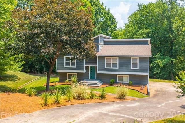 10000 Swan Lake Lane, Charlotte, NC 28277 (#3749849) :: Keller Williams Realty Lake Norman Cornelius