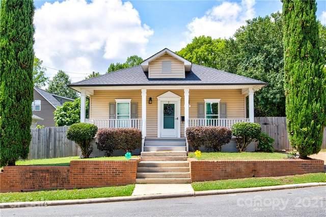 306 S Bruns Avenue, Charlotte, NC 28208 (#3750235) :: Willow Oak, REALTORS®