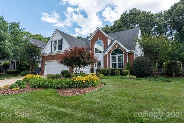10106 Glencrest Drive, Huntersville, NC 28078 (#3750252) :: Scarlett Property Group