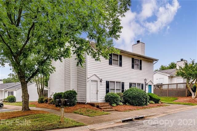 5918 Crape Myrtle Lane, Charlotte, NC 28216 (#3750559) :: Austin Barnett Realty, LLC