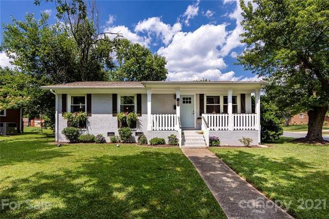 4257 Donnybrook Place, Charlotte, NC 28205 (#3750615) :: Home and Key Realty