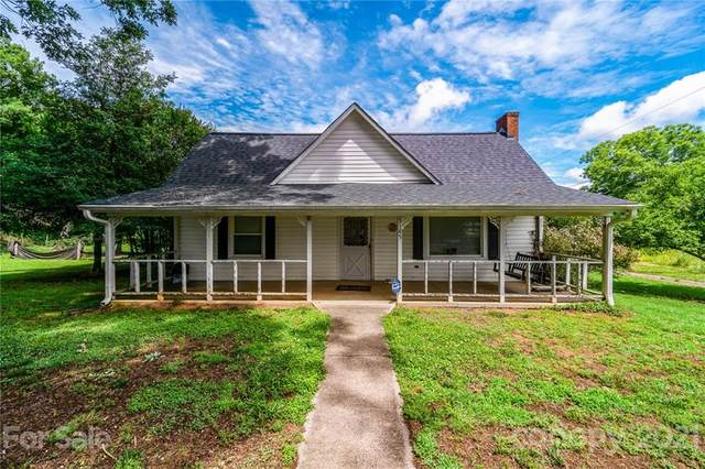 5185 Old Mountain Road, Stony Point, NC 28678 (#3751340) :: BluAxis Realty
