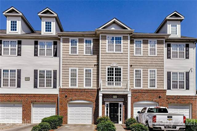 6412 Park Pond Drive, Charlotte, NC 28262 (#3751859) :: Odell Realty