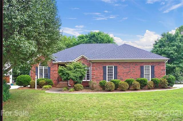 1902 Old Greylyn Court, Concord, NC 28027 (#3751927) :: The Snipes Team | Keller Williams Fort Mill