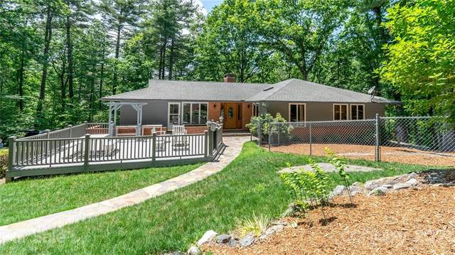 54 Glassy Mountain Drive, Hendersonville, NC 28739 (#3752227) :: Lake Wylie Realty