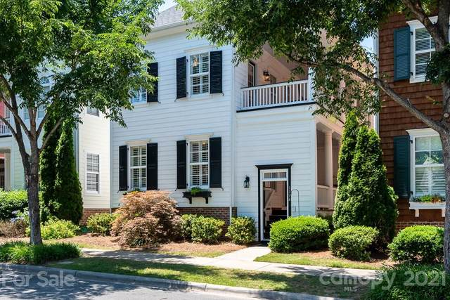 1114 South Street, Cornelius, NC 28031 (#3752276) :: Home and Key Realty