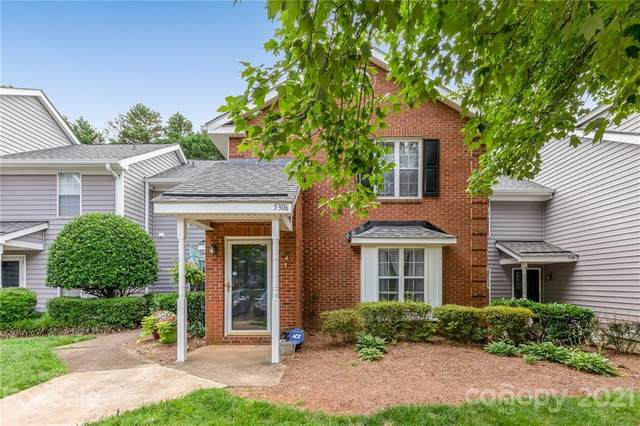5306 Amity Springs Drive, Charlotte, NC 28212 (#3752490) :: Odell Realty