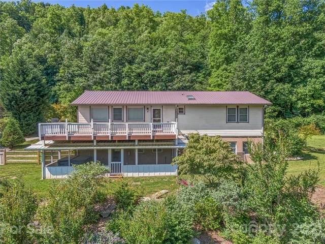 2124 Woodridge Drive, Hendersonville, NC 28739 (#3752606) :: BluAxis Realty