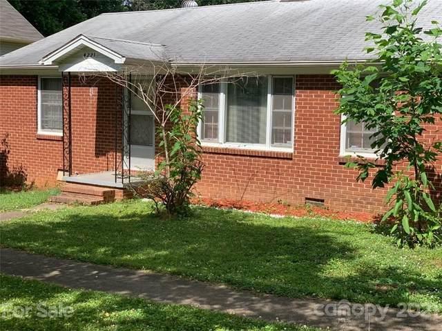 4221 Lake Road, Charlotte, NC 28269 (#3752720) :: The Mitchell Team