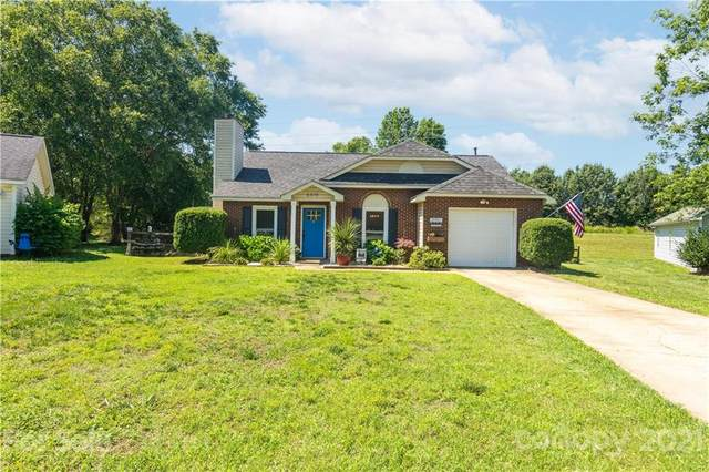 6419 Old South Court, Charlotte, NC 28277 (#3752795) :: Cloninger Properties