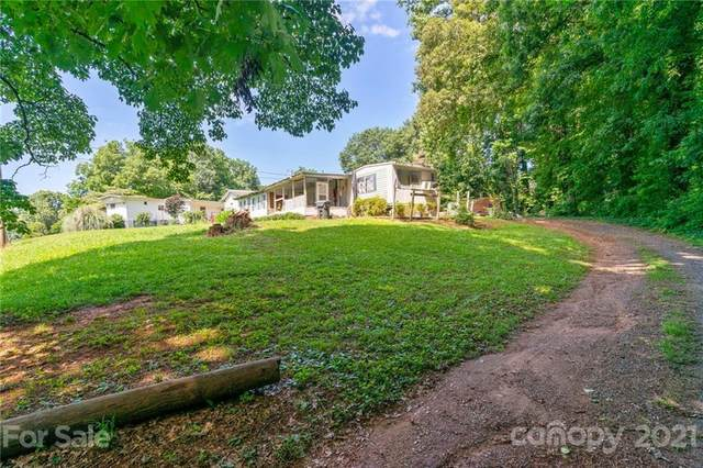 3900 Huntwood Drive, Charlotte, NC 28214 (#3752882) :: Home and Key Realty