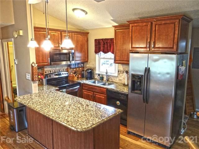 7900 Mountain Shore Drive, Sherrills Ford, NC 28673 (#3753170) :: Carver Pressley, REALTORS®