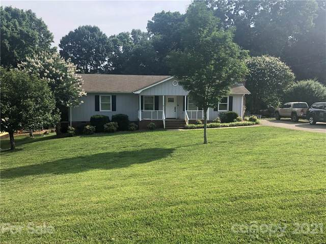 3740 Camp Stewart Road, Charlotte, NC 28215 (#3753412) :: Homes with Keeley   RE/MAX Executive