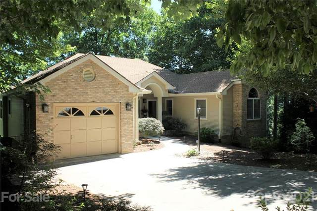 9 Governors Drive, Hendersonville, NC 28791 (#3753860) :: Cloninger Properties