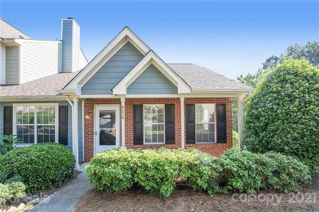 9236 Four Mile Creek Road, Charlotte, NC 28277 (#3753937) :: Hansley Realty