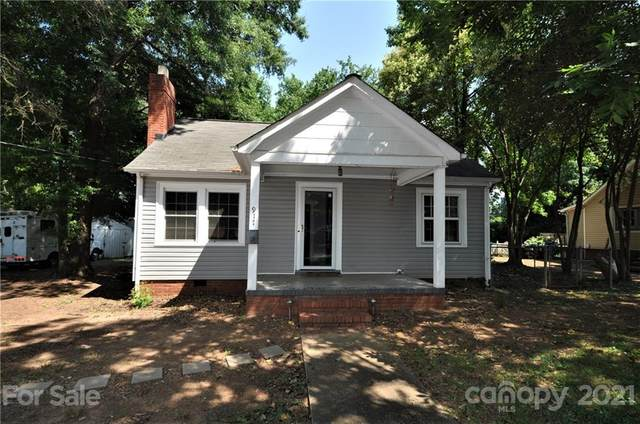 917 Tennyson Drive, Charlotte, NC 28208 (#3754092) :: Cloninger Properties