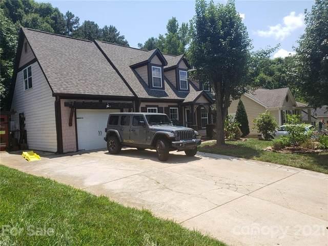 8521 Red Setter Lane, Charlotte, NC 28227 (MLS #3754237) :: RE/MAX Journey