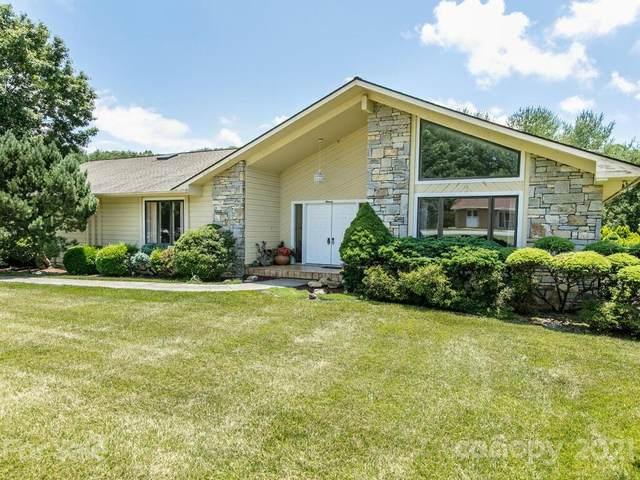 11 Highlander Lane, Hendersonville, NC 28792 (#3755672) :: Exit Realty Elite Properties