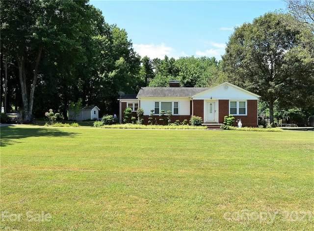 113 Cornelius Road, Mooresville, NC 28117 (#3755813) :: Besecker Homes Team
