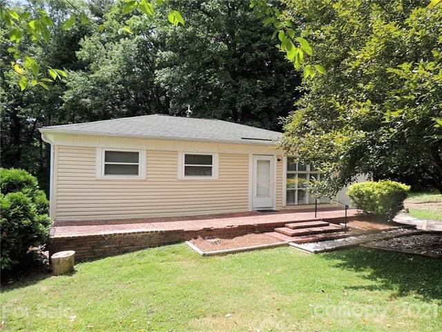 668 Crystal Drive, Hendersonville, NC 28791 (#3757717) :: Carolina Real Estate Experts